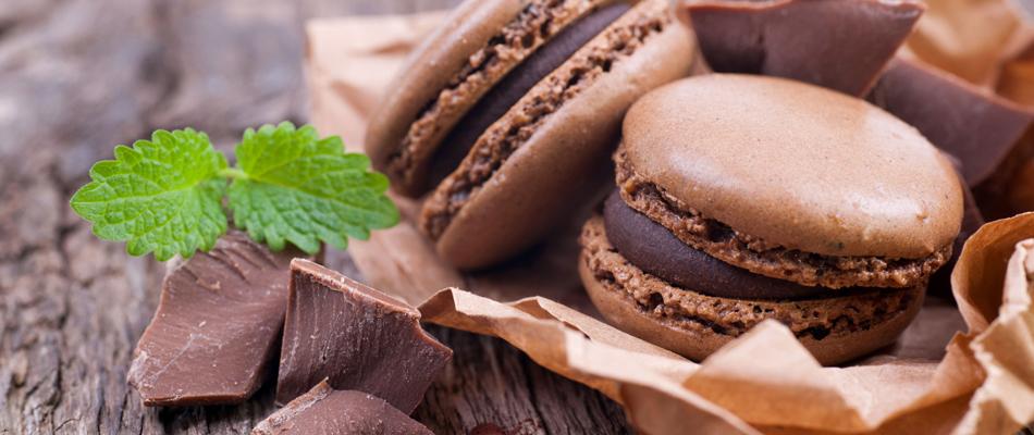 Chocolat et des macarons de qualité artisanale